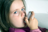 Girl_with_inhaler